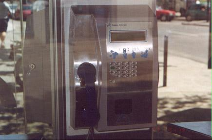 "A typical France Telecom phone.</BR></BR><span class=""date-display-single"" property=""dc:date"" datatype=""xsd:dateTime"" content=""1998-01-01T00:00:00+00:00"">Jan 01, 1998</span>"